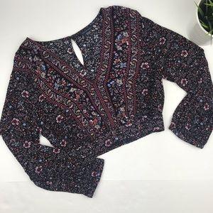 AEO Black/Pink Floral Crop Blouse